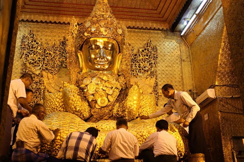 Mandalay_Mahamunyi_Buddha