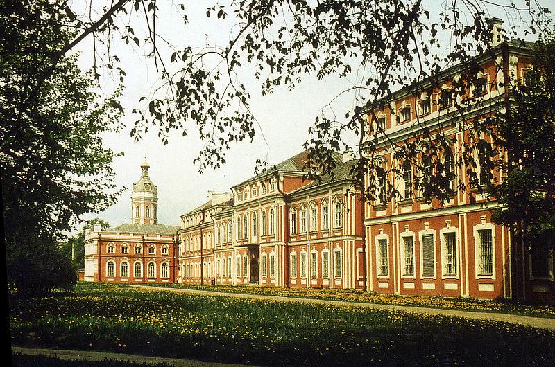 Alexander Newskij Kloster (Copyright Muratov)