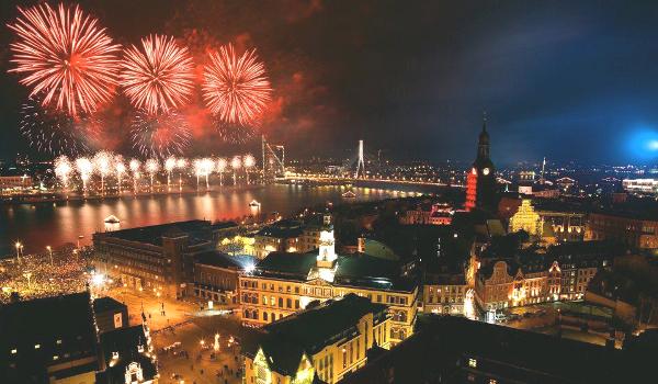 Riga-Feuerwerk während der Silvester-Feier 2012