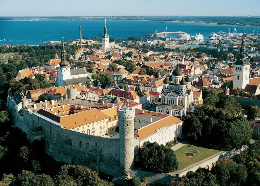 Tallinn und Ostsee: Panorama von oben
