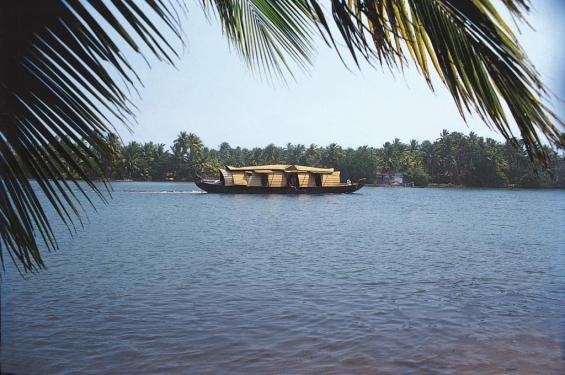 Houseboat_indien_1