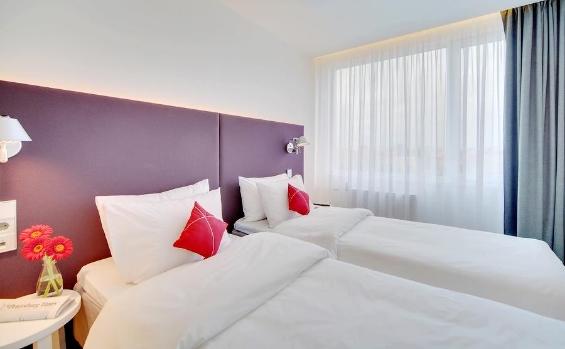 hotel azimut ehem sovetskaja st petersburg 49 0 40 896909 0. Black Bedroom Furniture Sets. Home Design Ideas